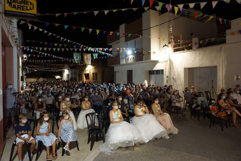 public assistent al concert de Quico el Célio i l'Agrupació Musical de Godall a les festes majors 2021
